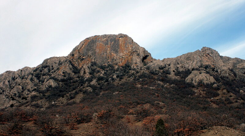 Рыжая скала (Сары-Кая)